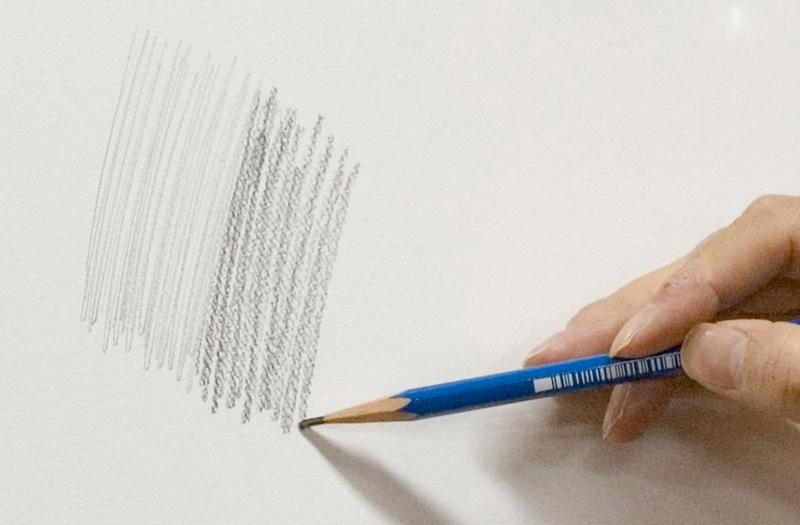 硬さの異なる鉛筆で描く